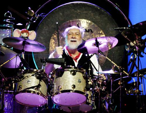 0 Mick Fleetwood